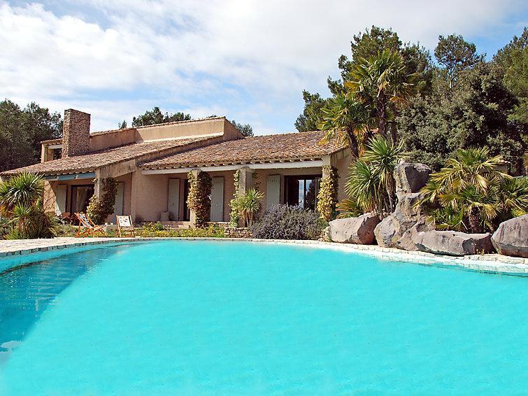 5 bedroom Villa in L'isle sur la Sorgue, Provence, France : ref 2012430 - Image 1 - Saumane-de-Vaucluse - rentals