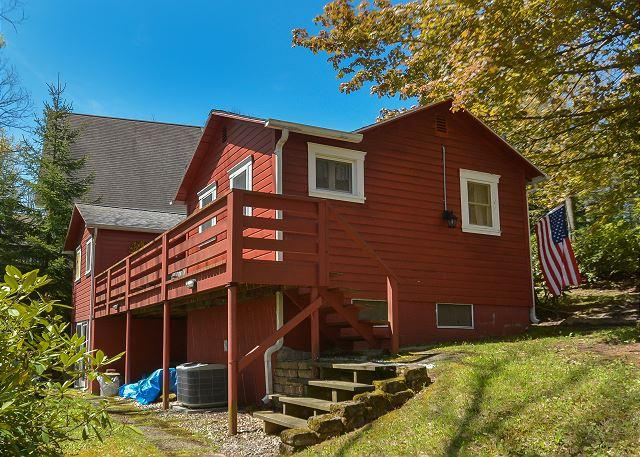 Exterior - Scenic lake views from this charming cottage with private dock! - Swanton - rentals