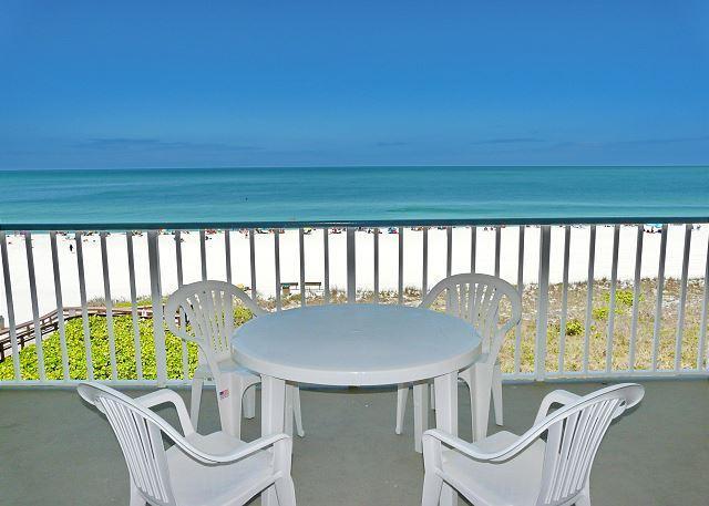 Beachfront gem of a condo w/ spellbinding views - Image 1 - Marco Island - rentals