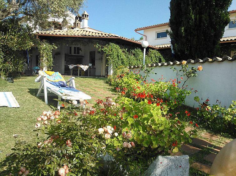 4 bedroom Apartment in Pineto, Abruzzo Molise, Italy : ref 2013415 - Image 1 - Pineto - rentals