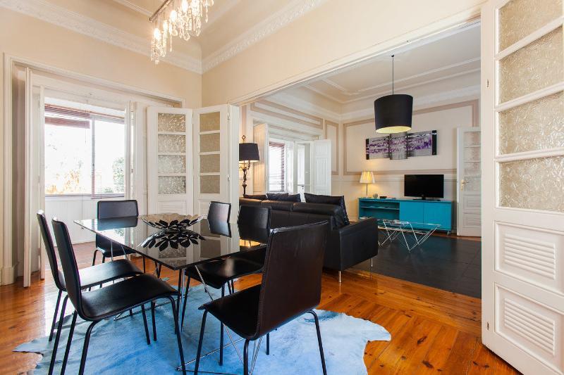 Turquoise House, Stylish Apartment, AC, Free WIFI - Image 1 - Lisbon - rentals