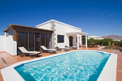 4 bedroom Villa in Playa Blanca, Lanzarote, Canary Islands : ref 2016483 - Image 1 - Yaiza - rentals