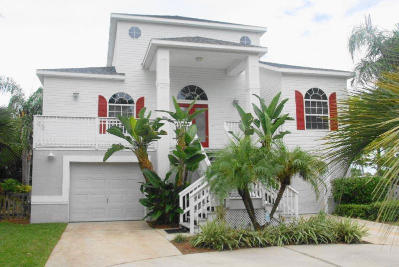 Magnificent Sutherland Manor - Sutherland Manor Home, 4 bedroom and 3 baths - Clearwater - rentals