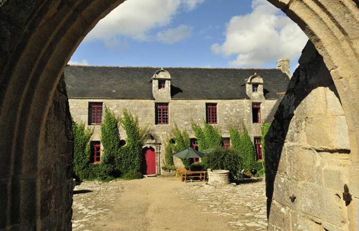 11 bedroom Villa in Audierne, Brittany  Northern, France : ref 2017778 - Image 1 - Primelin - rentals