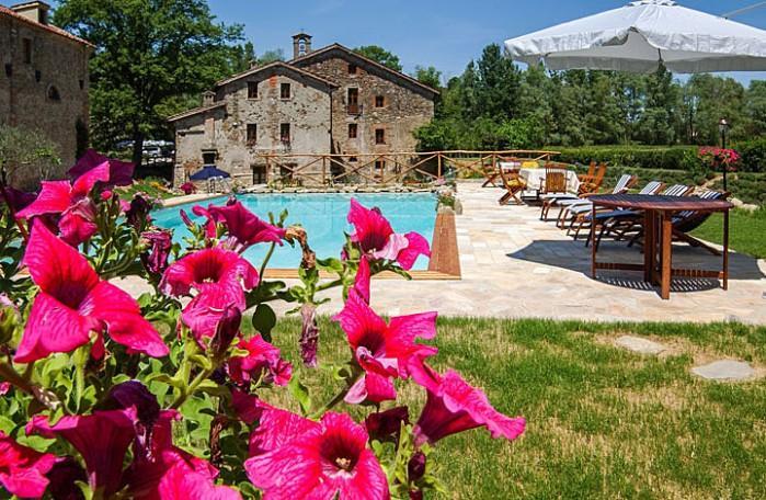 5 bedroom Villa in Calzolaro, Umbria, Italy : ref 2018085 - Image 1 - Calzolaro - rentals