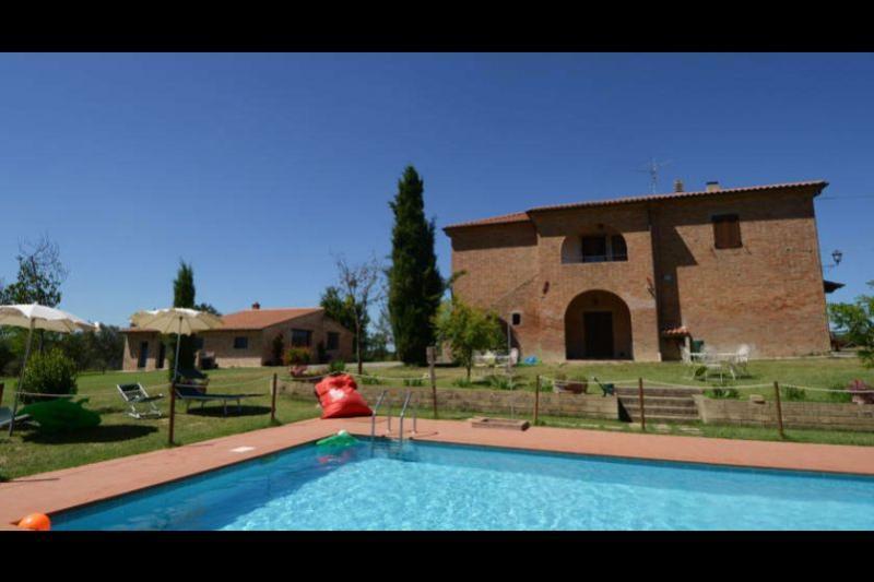 7 bedroom Villa in Castiglione del Lago, Umbria, Italy : ref 2020449 - Image 1 - Pozzuolo - rentals