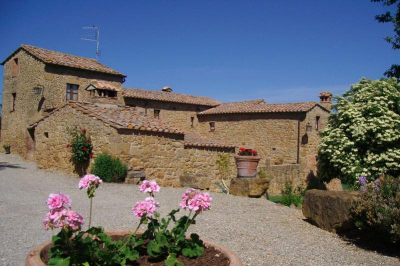 7 bedroom Villa in Pienza, Siena, Toscana, Italy : ref 2020515 - Image 1 - Pienza - rentals