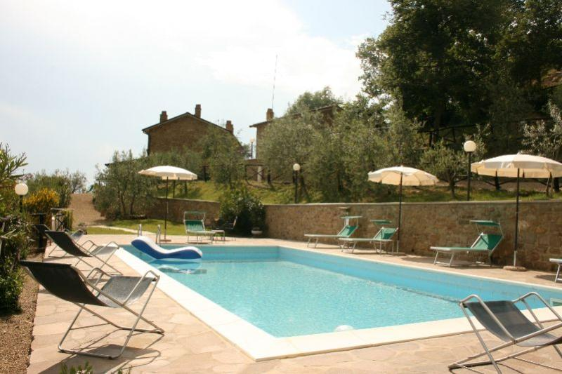 5 bedroom Villa in San Giustino Valdarno, Toscana, Italy : ref 2020521 - Image 1 - San Giustino Valdarno - rentals