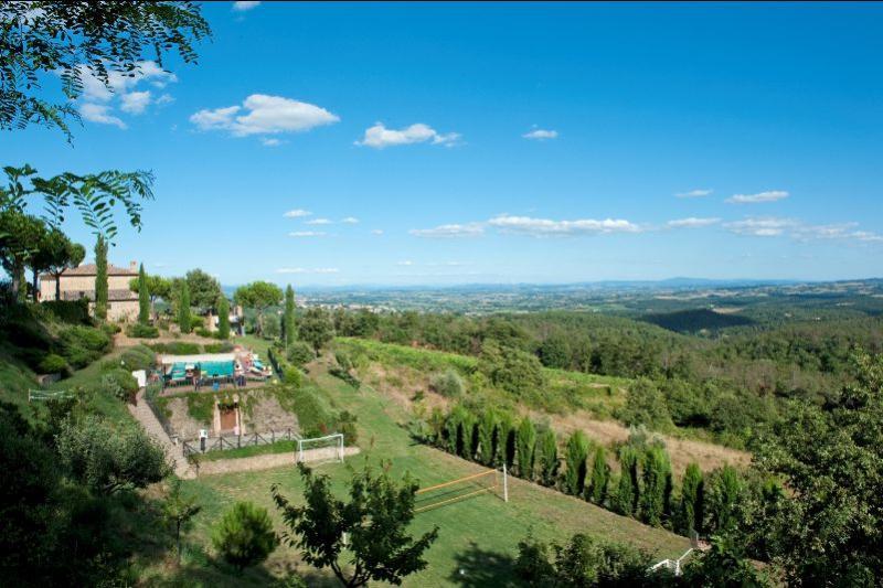 8 bedroom Villa in Sinalunga, Toscana, Italy : ref 2020525 - Image 1 - Scrofiano - rentals