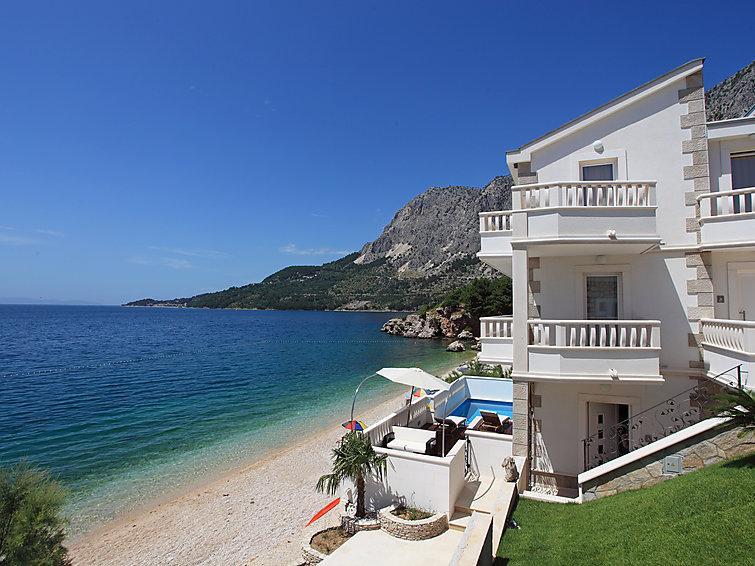 5 bedroom Villa in Drasnice, Central Dalmatia, Croatia : ref 2021463 - Image 1 - Drasnice - rentals