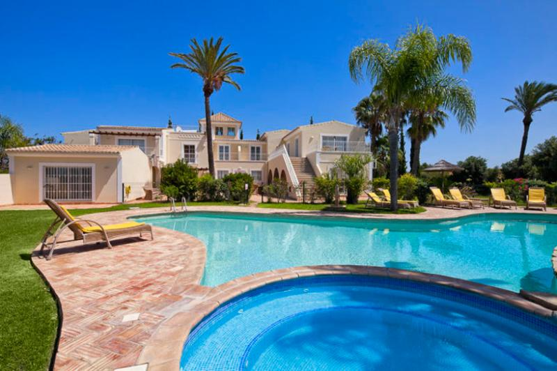 7 bedroom Villa in Albufeira, Albufeira, Algarve, Portugal : ref 2022226 - Image 1 - Guia - rentals