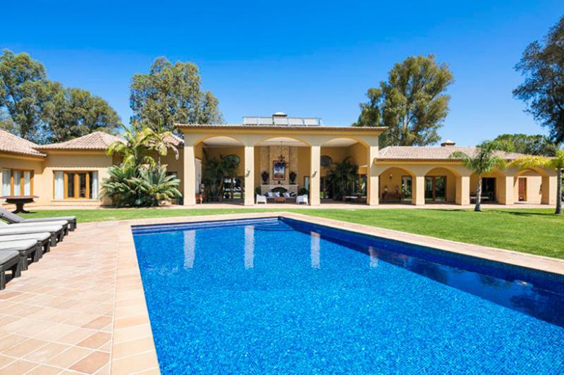 6 bedroom Villa in Alvor, Algarve, Portugal : ref 2022227 - Image 1 - Figueira - rentals