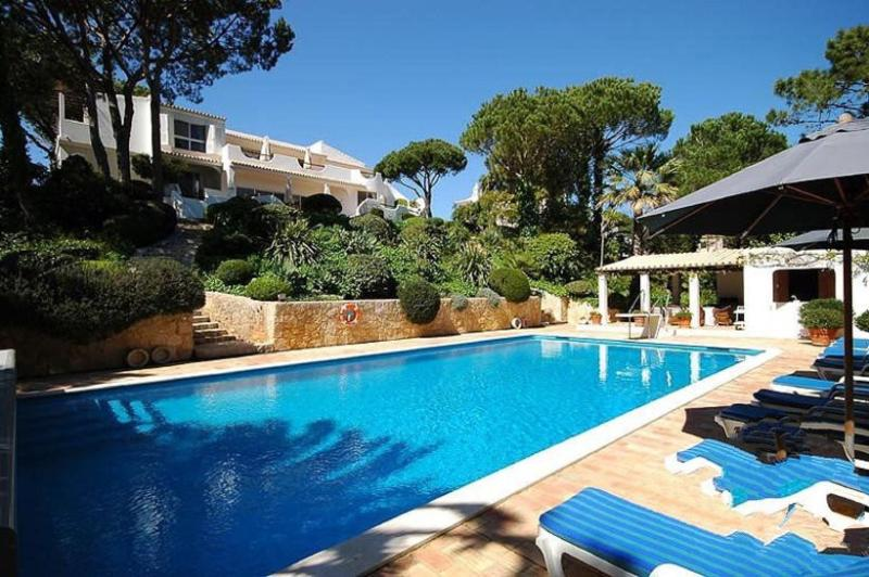 5 bedroom Villa in Quinta Do Lago, Algarve, Portugal : ref 2022276 - Image 1 - Quinta do Lago - rentals