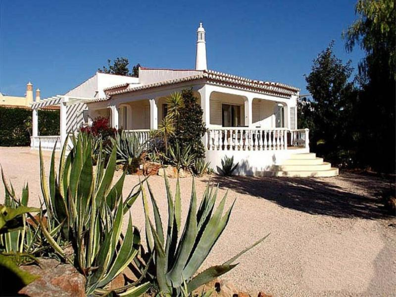 5 bedroom Villa in Carvoeiro, Algarve, Algarve, Portugal : ref 2022368 - Image 1 - Carvoeiro - rentals