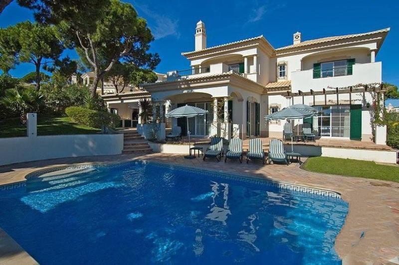 4 bedroom Villa in Vale do Lobo, Dunas Douradas, Algarve, Portugal : ref 2022392 - Image 1 - Vale do Garrao - rentals