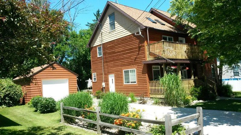 Cedar Haven Cottage - Friday to Friday - Image 1 - South Haven - rentals