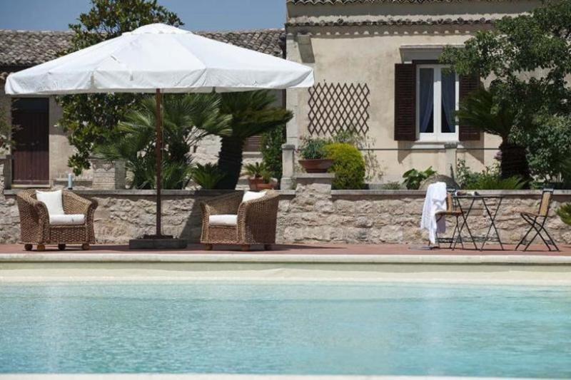 3 bedroom Villa in Ragusa, Sicily, Italy : ref 2022495 - Image 1 - Frigintini - rentals