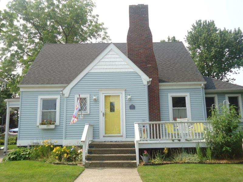 Blue Moon Cottage - Image 1 - South Haven - rentals