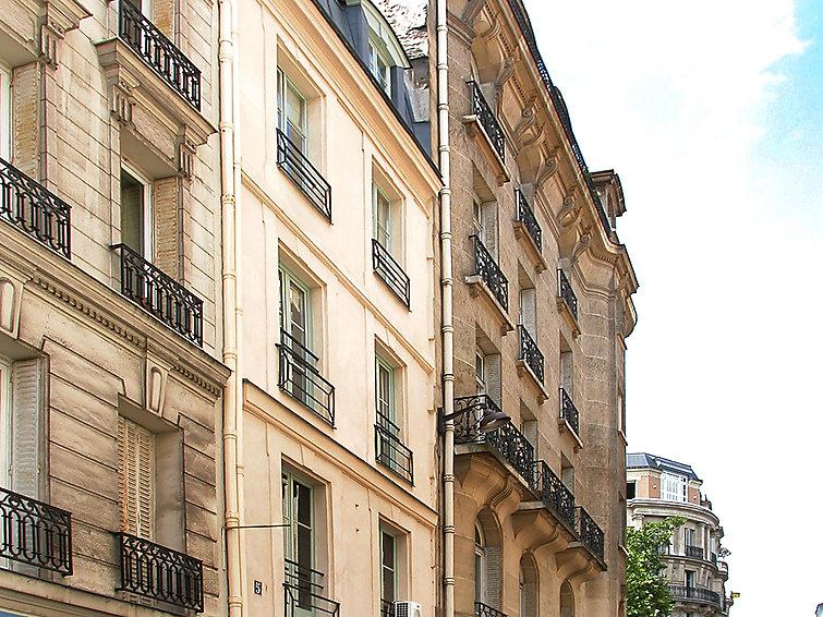 1 bedroom Apartment in Paris 7, Ile de France, France : ref 2023598 - Image 1 - 7th Arrondissement Palais-Bourbon - rentals