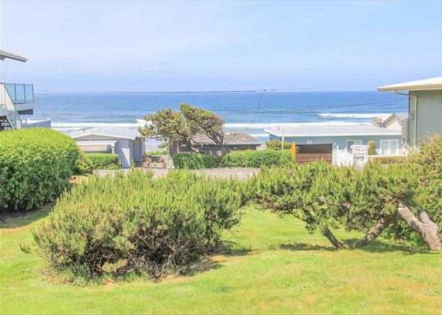 Seaview Cottage- Single-level Launching Pad for All Your Coastal Adventures! - Image 1 - Lincoln City - rentals