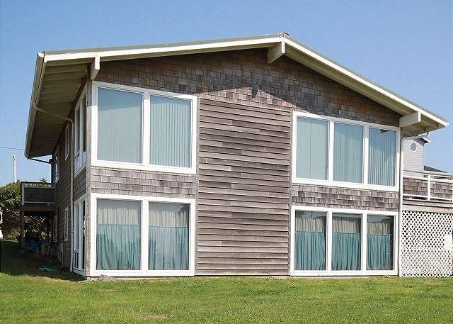 Exceptional Location Just Steps from Roads End State Park and Beach! - Image 1 - Lincoln City - rentals