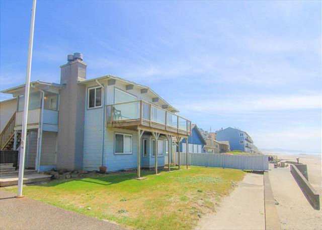 Spacious, Clean, Bright Oceanfront Home Offers Unforgettable Views - Image 1 - Lincoln City - rentals