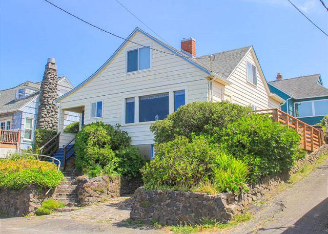 Historic home with amazing view & easy beach access! - Image 1 - Lincoln City - rentals