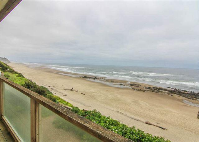 Gorgeous Oceanfront Home Boasts Two Living Spaces - Image 1 - Lincoln City - rentals
