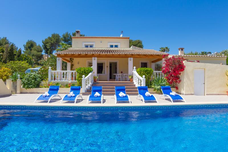 5 bedroom Villa in Moraira, Costa Blanca, Spain : ref 2031741 - Image 1 - La Llobella - rentals