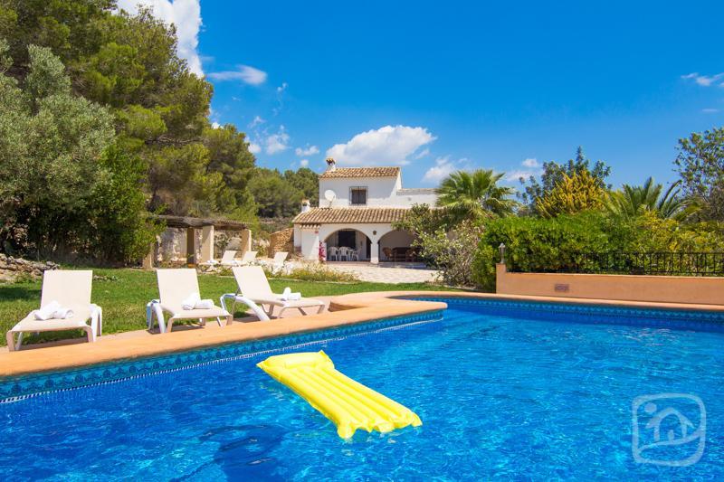 4 bedroom Villa in Benissa, Costa Blanca, Spain : ref 2031743 - Image 1 - Calpe - rentals