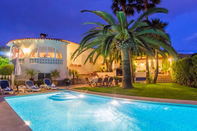 4 bedroom Villa in Calpe, Costa Blanca, Spain : ref 2031749 - Image 1 - La Llobella - rentals
