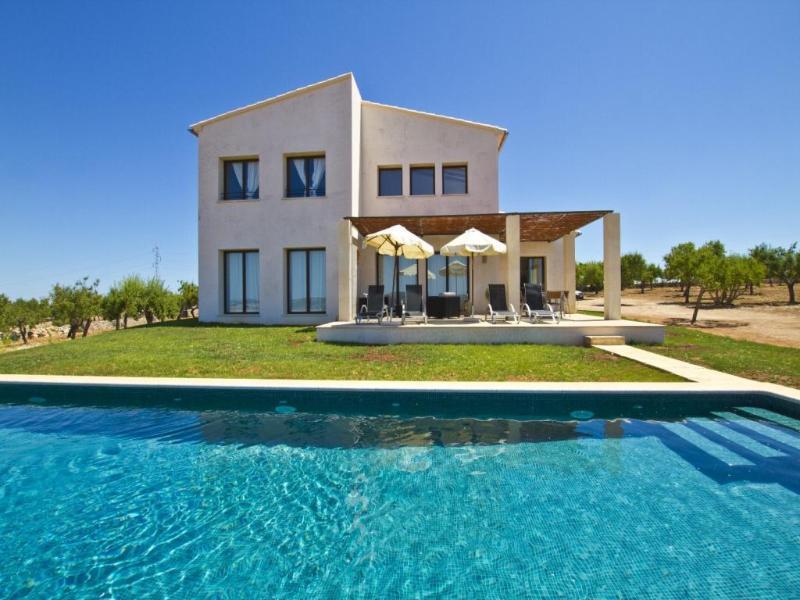 3 bedroom Villa in Ariany, Mallorca : ref 2036298 - Image 1 - Ariany - rentals