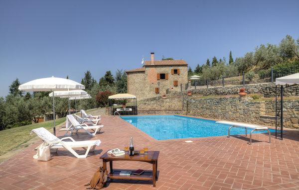 7 bedroom Villa in Castiglion Fiorentino, Tuscany, Arezzo / Cortona And - Image 1 - Pieve di Chio - rentals