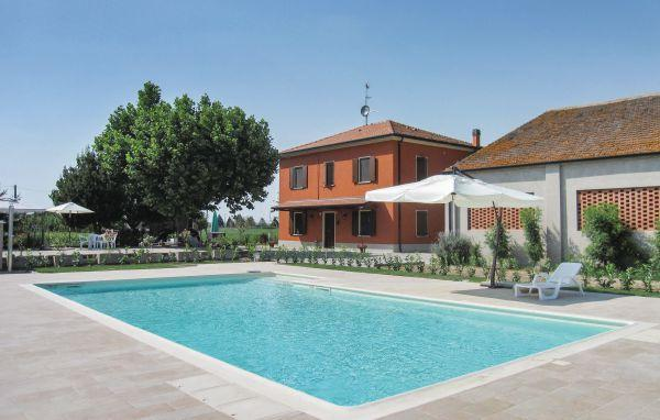 4 bedroom Villa in Lendinara, Veneto, Veneto Countryside, Italy : ref 2037717 - Image 1 - Lendinara - rentals