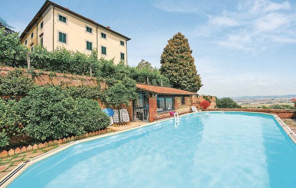 9 bedroom Villa in Castelfranco Di Sopra, Tuscany, Lucca, Italy : ref 2037749 - Image 1 - Castelfranco Di Sotto - rentals