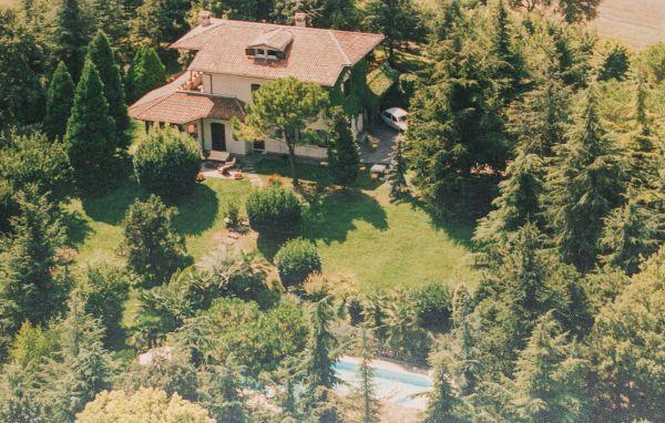4 bedroom Villa in Solferino, Northern Lakes, Lake Garda, Italy : ref 2038156 - Image 1 - Solferino - rentals