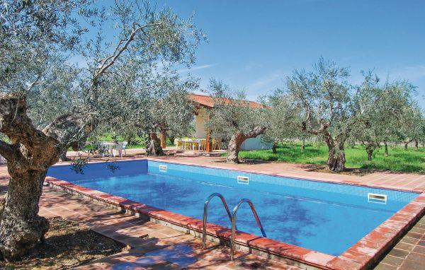 5 bedroom Villa in Sulmona, Abruzzo, Abruzzo, Italy : ref 2038189 - Image 1 - Tocco da Casauria - rentals