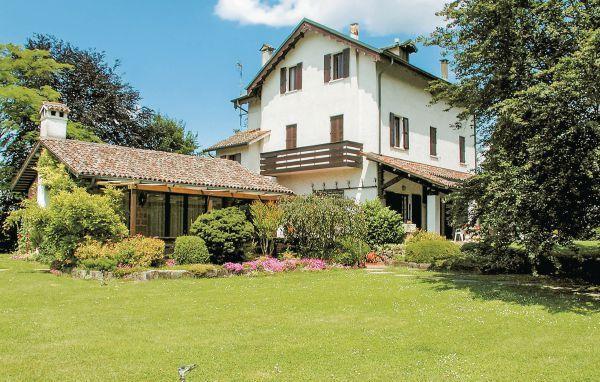 7 bedroom Villa in Torreglia, Veneto, Veneto Countryside, Italy : ref 2038205 - Image 1 - Torreglia - rentals