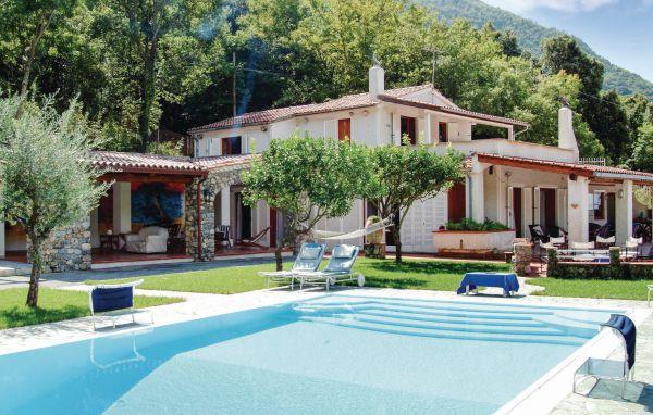 10 bedroom Villa in Maratea, Basilicata, Tyrrhenian Coast, Italy : ref 2038256 - Image 1 - Maratea - rentals