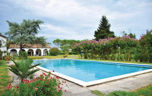 5 bedroom Villa in Abano Terme, Veneto, Veneto Countryside, Italy : ref 2038387 - Image 1 - Abano Terme - rentals