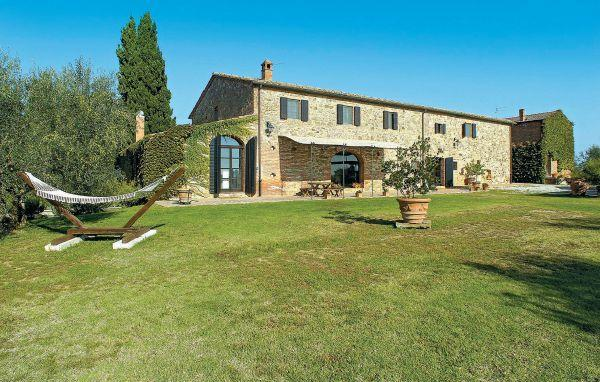6 bedroom Villa in Sinalunga, Tuscany, Siena, Italy : ref 2038426 - Image 1 - Sinalunga - rentals