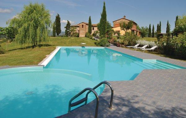 6 bedroom Villa in Pergine, Tuscany, Arezzo / Cortona And Surroundi, Italy : ref 2038743 - Image 1 - Badia Agnano - rentals