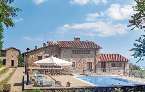 13 bedroom Villa in Sansepolcro, Tuscany, Arezzo / Cortona And Surroundi, Italy : ref 2038990 - Image 1 - Sansepolcro - rentals