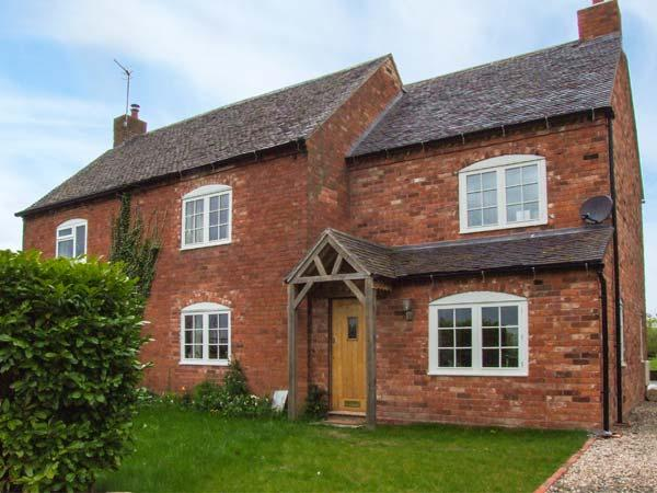 FAIRVIEW COTTAGE, semi-detached, en-suites, woodburner, parking, garden, in Bewdley, Ref 937721 - Image 1 - Bewdley - rentals