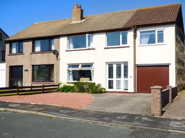 WASDALE PARK, semi-detached, WiFi, enclosed garden, close to coast, pet-friendly, in Seascale Ref 936800 - Image 1 - Seascale - rentals