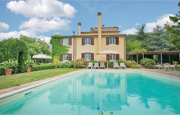 4 bedroom Villa in Sessa Aurunca, Campania, Baia Domizia, Italy : ref 2039830 - Image 1 - San Martino - rentals