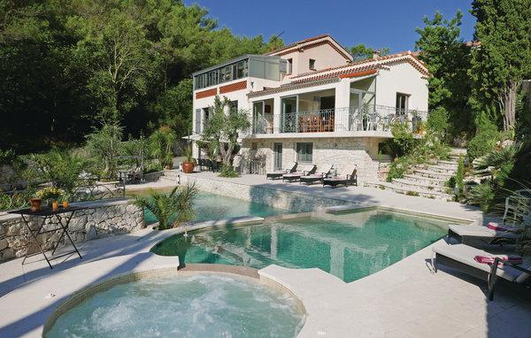 3 bedroom Villa in Eze, Cote D Azur, Alps, France : ref 2041142 - Image 1 - Eze - rentals