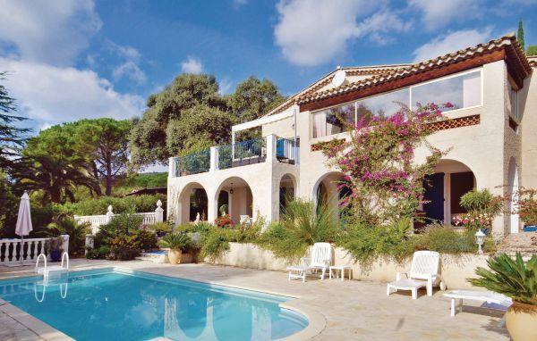 4 bedroom Villa in Les Issambres, Cote D Azur, Var, France : ref 2041288 - Image 1 - Les Issambres - rentals