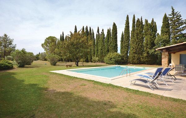 5 bedroom Villa in Camaret sur Aigues, Provence drOme ardEche, Vaucluse, France - Image 1 - Travaillan - rentals