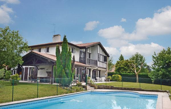 3 bedroom Villa in Ascain, Aquitaine, Pyrenees, France : ref 2041819 - Image 1 - Ascain - rentals